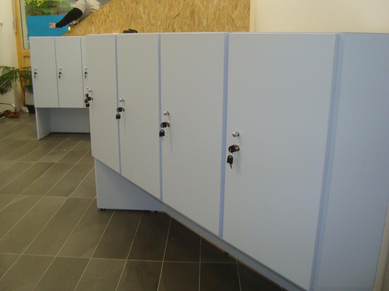 Zárak bútorlapos szekrényekhez