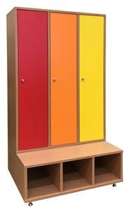 Háromszemélyes, hosszúajtós öltözőszekrény, színes