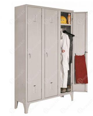 Háromajtós, helytakarékos öltözőszekrény